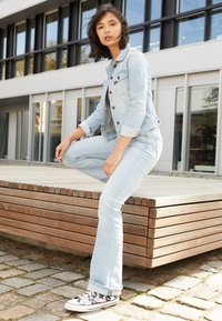 Lee - BREESE - Flared jeans - bleached azur - 1
