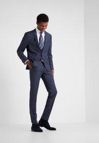 DRYKORN - FOOT - Oblekové kalhoty - dark blue - 1