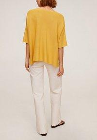 Mango - INES - T-shirt basic - moutarde - 2