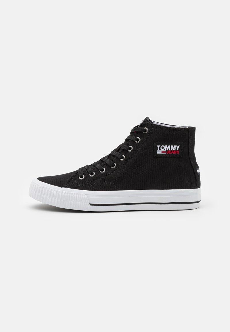 Tommy Jeans - MID CUT LONG LACE UP - Vysoké tenisky - black