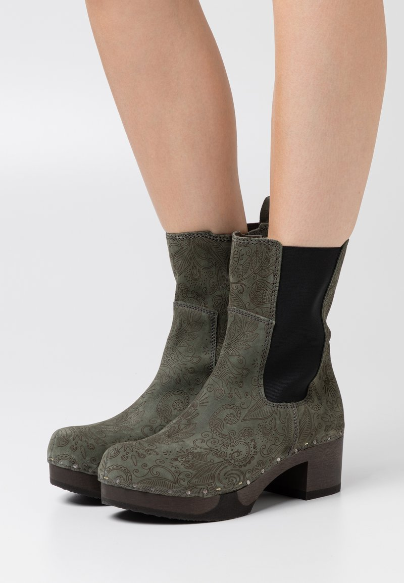 Softclox - Platform ankle boots - green
