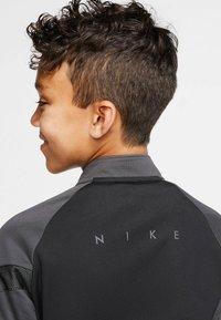 Nike Performance - Long sleeved top - schwarz/grau (718) - 4