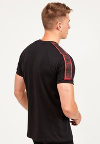 Kings Will Dream - RALLOR - Print T-shirt - black/red - 2