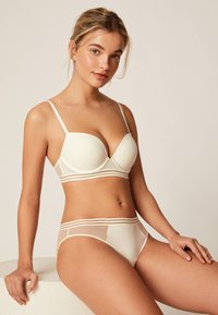OYSHO - PUSH UP BH AUS MIKROFASER  - Push-up BH - white - 3