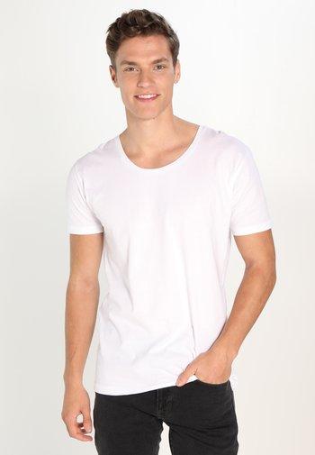BASIC FIT O-NECK - T-shirt - bas - offwhite