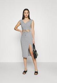 4th & Reckless - JETT DRESS - Vestido de tubo - grey - 1