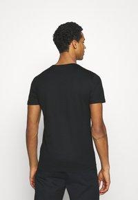 Antony Morato - SLIM FIT WITH DOUBLE LAYER - T-shirt print - nero - 2