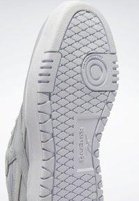 Reebok Classic - Sneakersy niskie - grey - 8