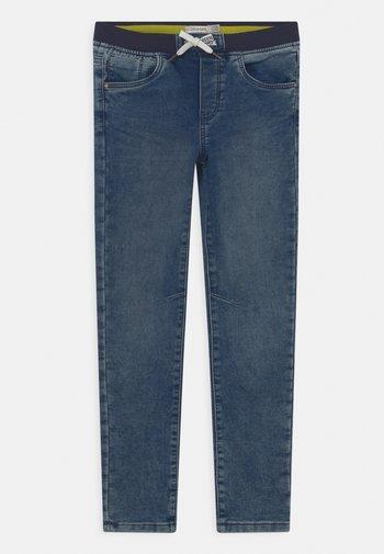 KID CARROT - Slim fit jeans - medium blue
