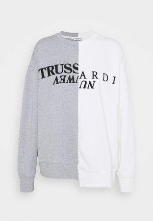 OFFSET PRINT - Sweatshirt - white/grey