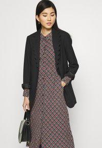 King Louie - OLIVE DRESS PALMER - Košilové šaty - black - 3