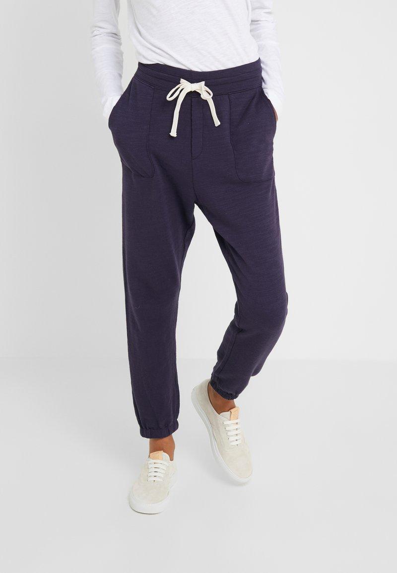 J.CREW - MALIBU TERRY PANT - Teplákové kalhoty - navy