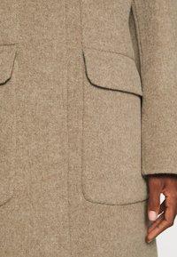 Oakwood - ARIZONA REVERSIBLE - Zimní kabát - beige/grey - 5