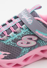Skechers - TWISTY BRIGHTS - Tenisky - gray/pink - 3