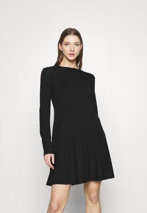 PCGILAYA ONECK DRESS - Jumper dress - black