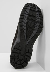 Haglöfs - RIDGE GT MEN - Hiking shoes - true black - 4
