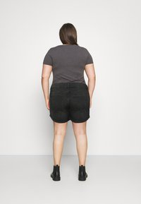 Noisy May Curve - NMSMILEY - Shorts di jeans - black denim - 2