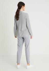 TOM TAILOR DENIM - Tracksuit bottoms - light silver/grey melange - 2
