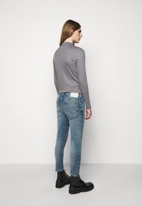DRYKORN - WEL - Jeans Tapered Fit - light blue - 2