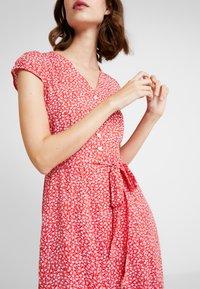 Louche - CATHLEEN BLOOM - Skjortklänning - red - 4