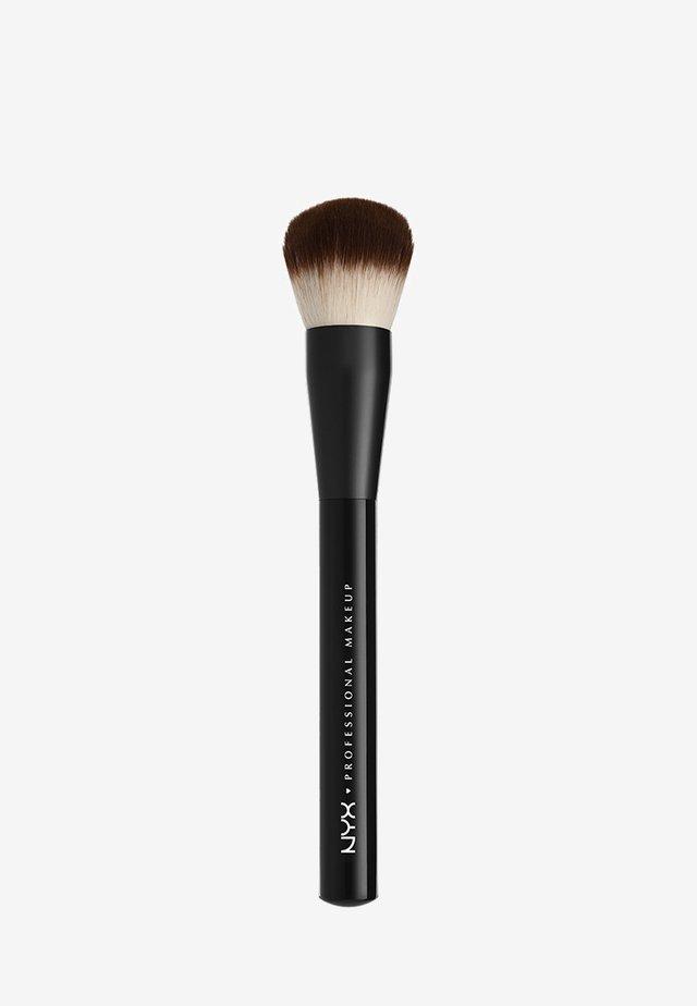 PRO BRUSH - Makeup-børste - 3 purpose buffing