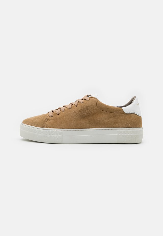 SLAMMER EXCLUSIVE - Matalavartiset tennarit - beige/white