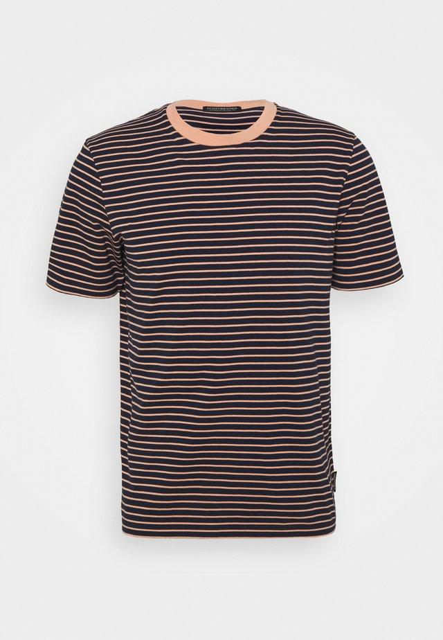 CLASSIC CREWNECK STRIPE TEE - T-shirts med print - black