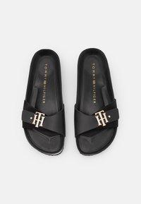 Tommy Hilfiger - MOLDED FOOTBED  - Pantofle - black - 5