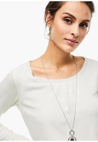 s.Oliver BLACK LABEL - Long sleeved top - soft white - 6