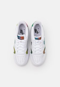 Nike Sportswear - AIR FORCE 1 LV8 UNISEX - Trainers - white/multicolor - 3