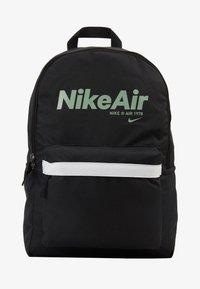 Nike Sportswear - AIR HERITAGE - Mochila - black/black/silver pine - 5