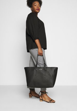 EVERYDAY OPEN SET - Tote bag - black
