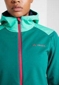 Vaude - WOMENS QIMSA JACKET - Soft shell jacket - petroleum - 7