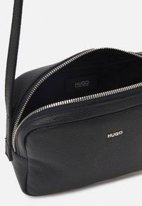 HUGO - KIM CROSSBODY  - Across body bag - black - 3
