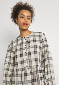 b.young - FINE DRESS  - Shirt dress - birch - 3