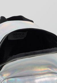 adidas Originals - MINI - Reppu - silver metallic - 5