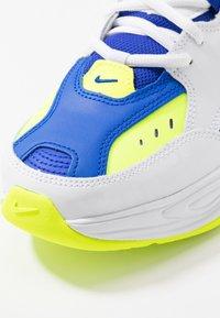 Nike Sportswear - M2K TEKNO - Zapatillas - white/black/volt/racer blue - 8
