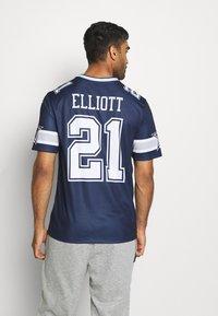 Nike Performance - NFL DALLAS COWBOYS EZEKIEL ELLIOT LEGEND TEAM - Klubové oblečení - college navy - 2