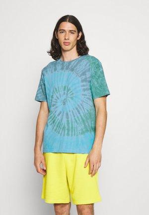 LAGOON TIE DYE - Print T-shirt - blue