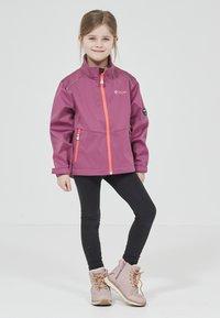ZIGZAG - Waterproof jacket - 4140 damson - 1