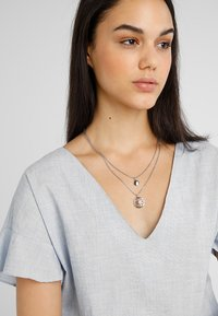 Tommy Hilfiger - CASUAL CORE - Necklace - silver-coloured - 1