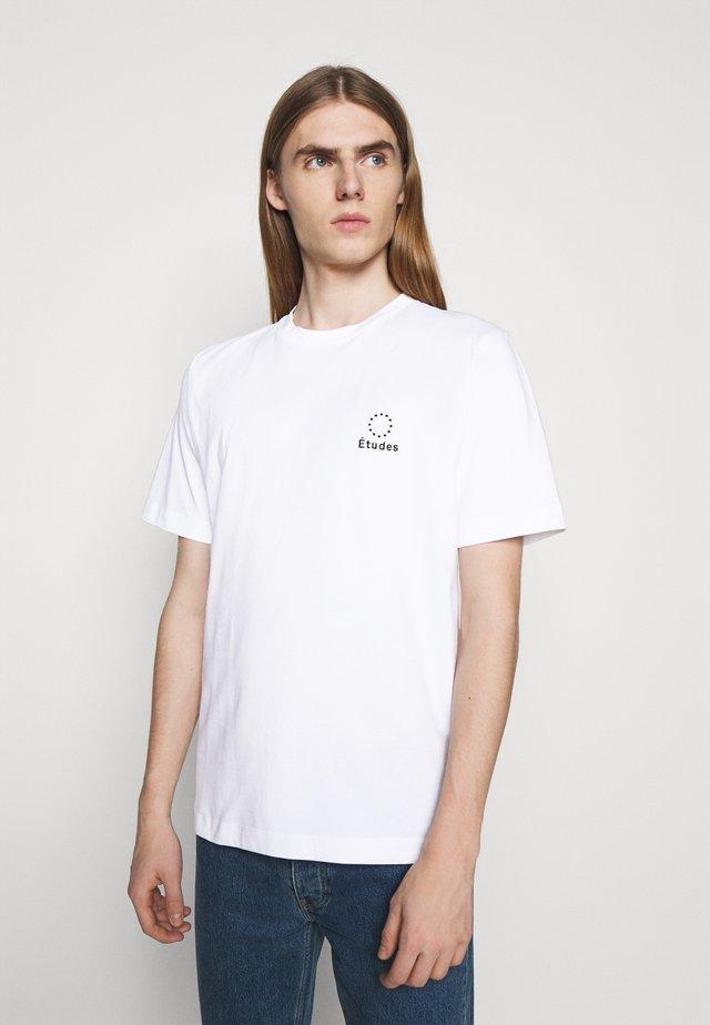 LOGO UNISEX - Printtipaita - white