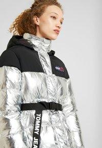 Tommy Jeans - BELTED JACKET - Winter jacket - silver - 4
