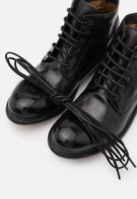 Cordwainer - Šněrovací kotníkové boty - todi washed black - 5