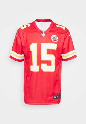 NFL KANSAS CITY CHIEFS PATRICK MAHOMES LEGEND  - Klubové oblečení - university red