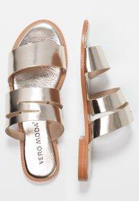 Vero Moda - VMVALI - Pantofle - pale gold - 3