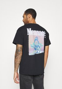Mennace - BUTTERFLY GRAPHIC - Print T-shirt - black - 0