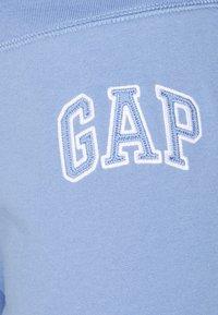 GAP - FASH  - Tracksuit bottoms - bright hyacinth - 2