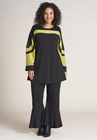 Studio - Long sleeved top - black lime - 0