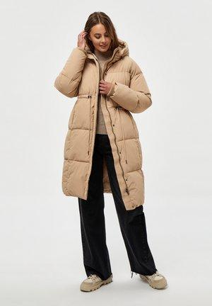 ALEXANDRA LONG - Winter coat - sand